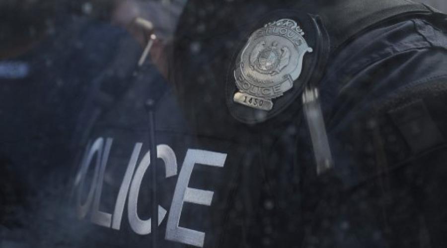 USA. La police tue un homme sourd qui n'entend pas les ordres https://t.co/QyvwHVkYQR