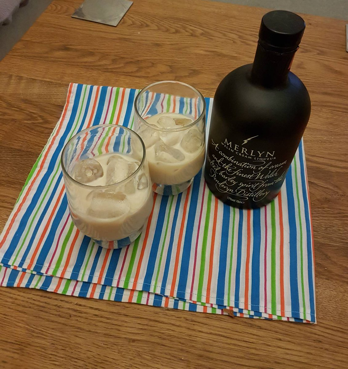 A little drink after a busy day ( a pressy for my birthday)! #sewinglessons #laugh #enjoy #learn  Next lesson is  http://www. spanglies.co.uk/product/beginn ers-adult-sewing-lessons-19th-october/ &nbsp; … <br>http://pic.twitter.com/3xgpSLTGWR