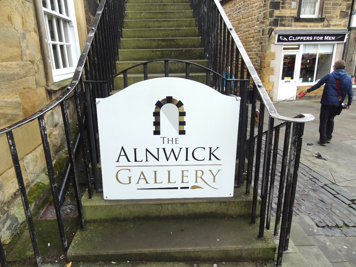 @justacard1 #justacard The Alnwick Gallery which had a nice selection of artist #greetingcards <br>http://pic.twitter.com/YaUQR46xk0