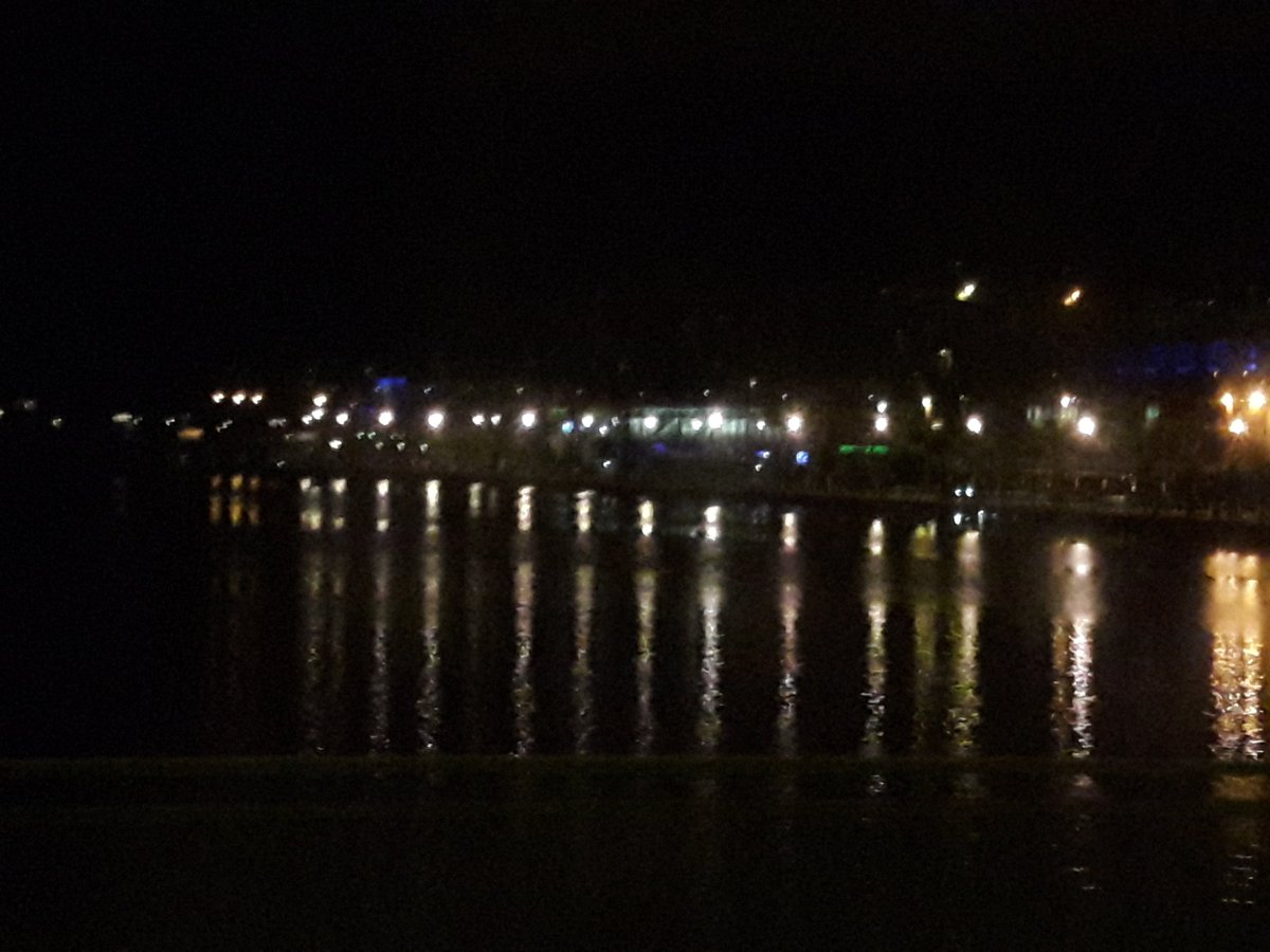 Limerick lights reflecting on the river looking pretty as i went thru tonight! #limerickhour #bestcopyie<br>http://pic.twitter.com/LQm5KDdrAZ