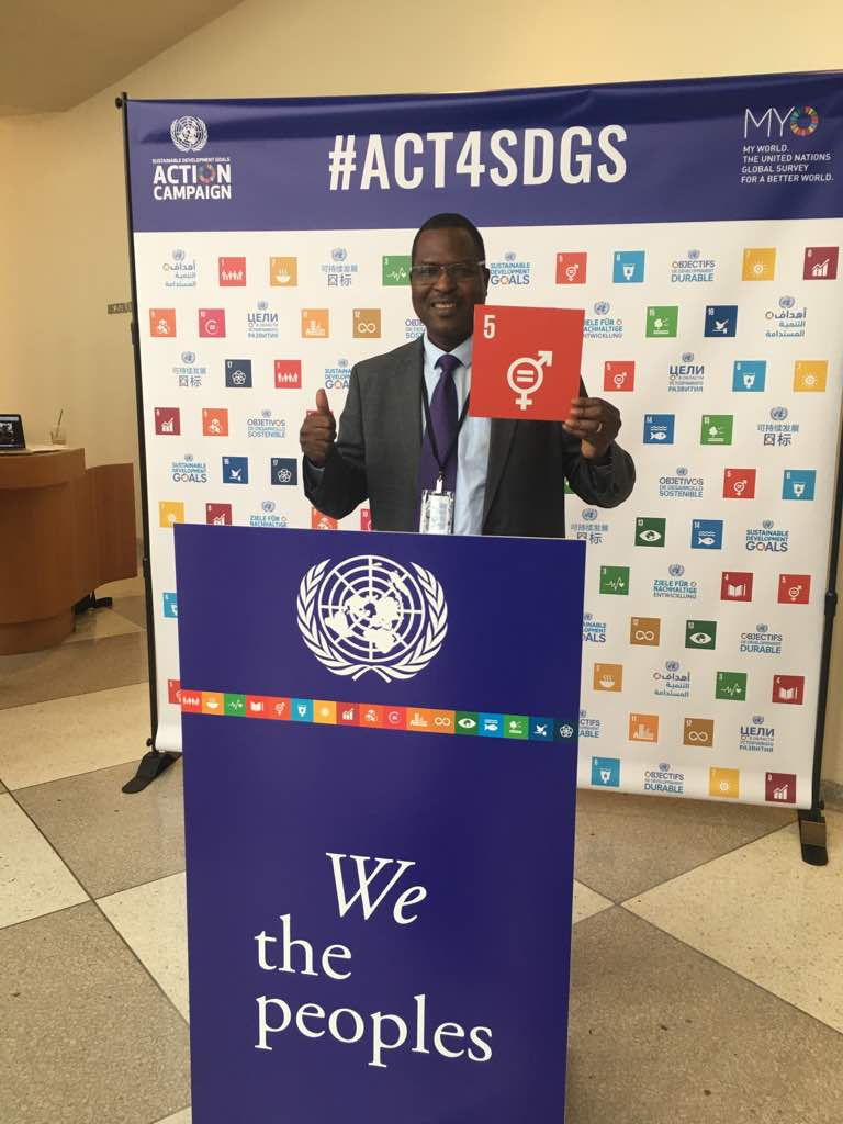 @PeterTarfa director @FMEclimate @FMEnvng also advocate for #SDG5 #GenderEquality @ ongoing  #UNGA  #NigeriaUNGA17<br>http://pic.twitter.com/J8fYtuYJAB