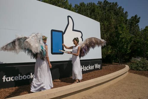 .@Facebook to share Russia-linked political adverts with investigators (Proper regulation is needed #uspoli #auspol)  http://www. bbc.com/news/world-us- canada-41355903 &nbsp; … <br>http://pic.twitter.com/MWtrCLllwz