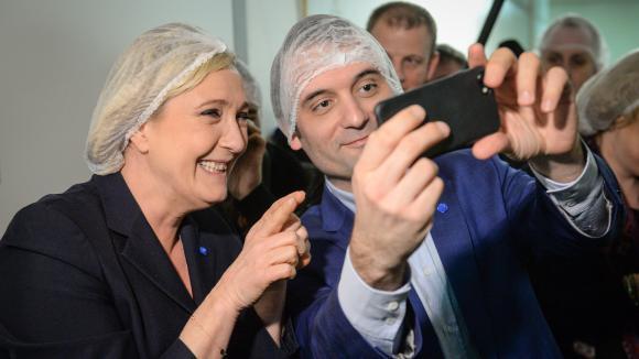 'Le départ de Florian Philippot montre que le Front national reste une affaire de famille' #Lesinformés https://t.co/fHSjUzrIs8