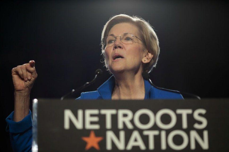 Senator Elizabeth Warren introduces a new Equifax bill. #EquifaxHack #ElizabethWarren #EquifaxDataBreach  https:// buff.ly/2wvsSnV  &nbsp;  <br>http://pic.twitter.com/KWPAkX4JDg