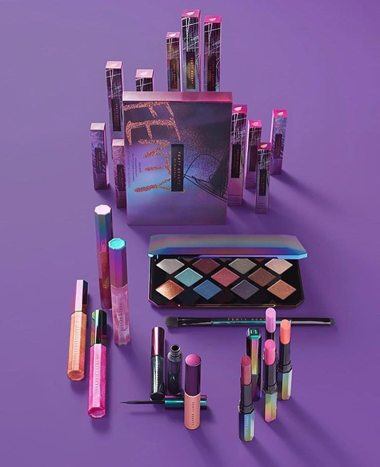 OOOOOMMMGGGG!!!!  @fentybeauty Full #HOLIDAYS2017 #Collection  @rihanna is not playing!!! Purple #holographic packaging <br>http://pic.twitter.com/qlDdFrqT6C