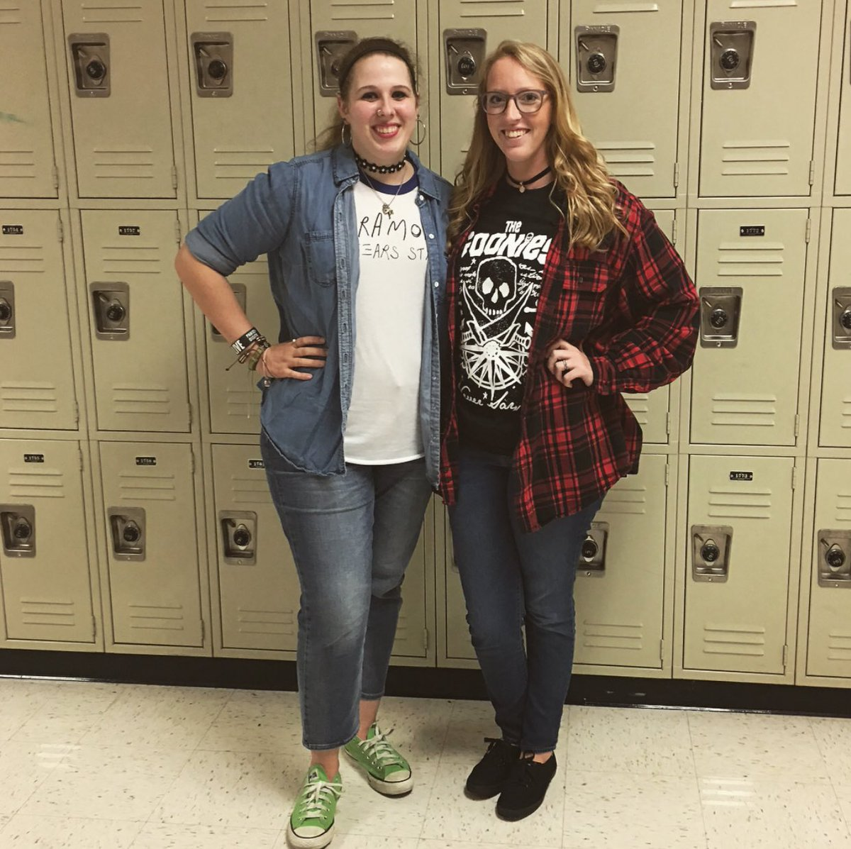 Throwback Thursday 🖤 oh, and a little dysfunction too #TheGoonies #GoTigers #WorkBestie https://t.co/b9UP4WA63y