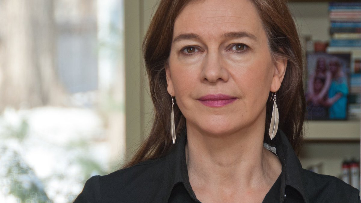 I approach the work as though, in truth, I&#39;m nothing and the #words are everything. LOUISE ERDRICH   #amwriting #writinglife <br>http://pic.twitter.com/274TTo1C0O