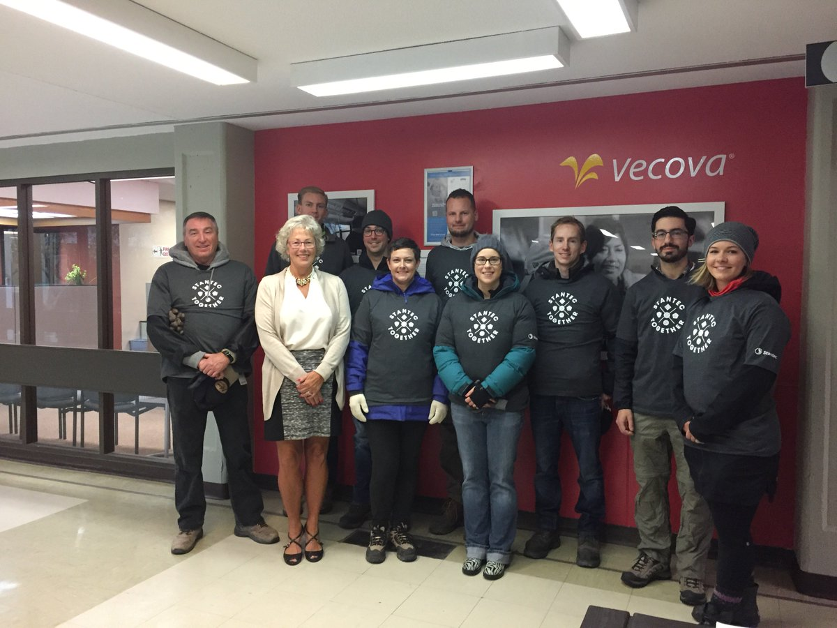 Thanks @Stantec YYC for your #volunteer work during #StantecintheCommunity Week! We are all stronger with #StantecTogether #volunteers <br>http://pic.twitter.com/oQyAMpangz