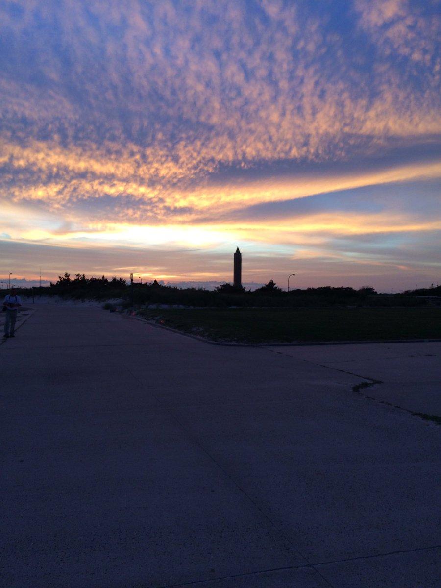 Sunset at Jones beach. #PeaceDay #Grace #Beautifulday<br>http://pic.twitter.com/gsTcjWqHHa