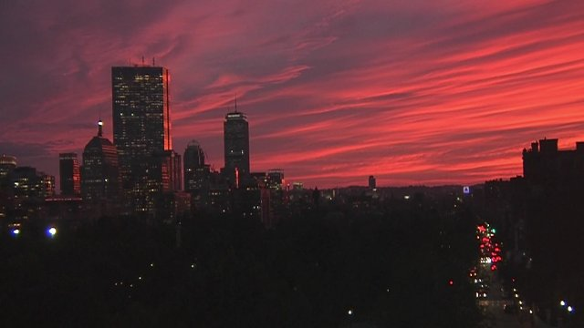 Spectacular sunset looking west from our Beacon HIll camera in Boston https://t.co/yDraKwLq5p