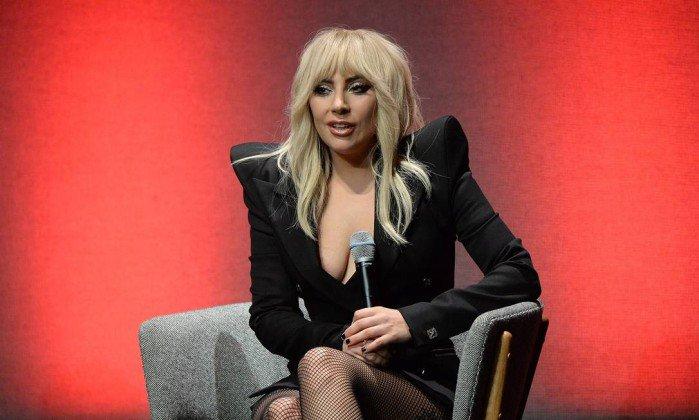 'Sou apenas uma garota tentando se tornar uma mulher', diz Lady Gaga.https://t.co/qiwFGYja4Y