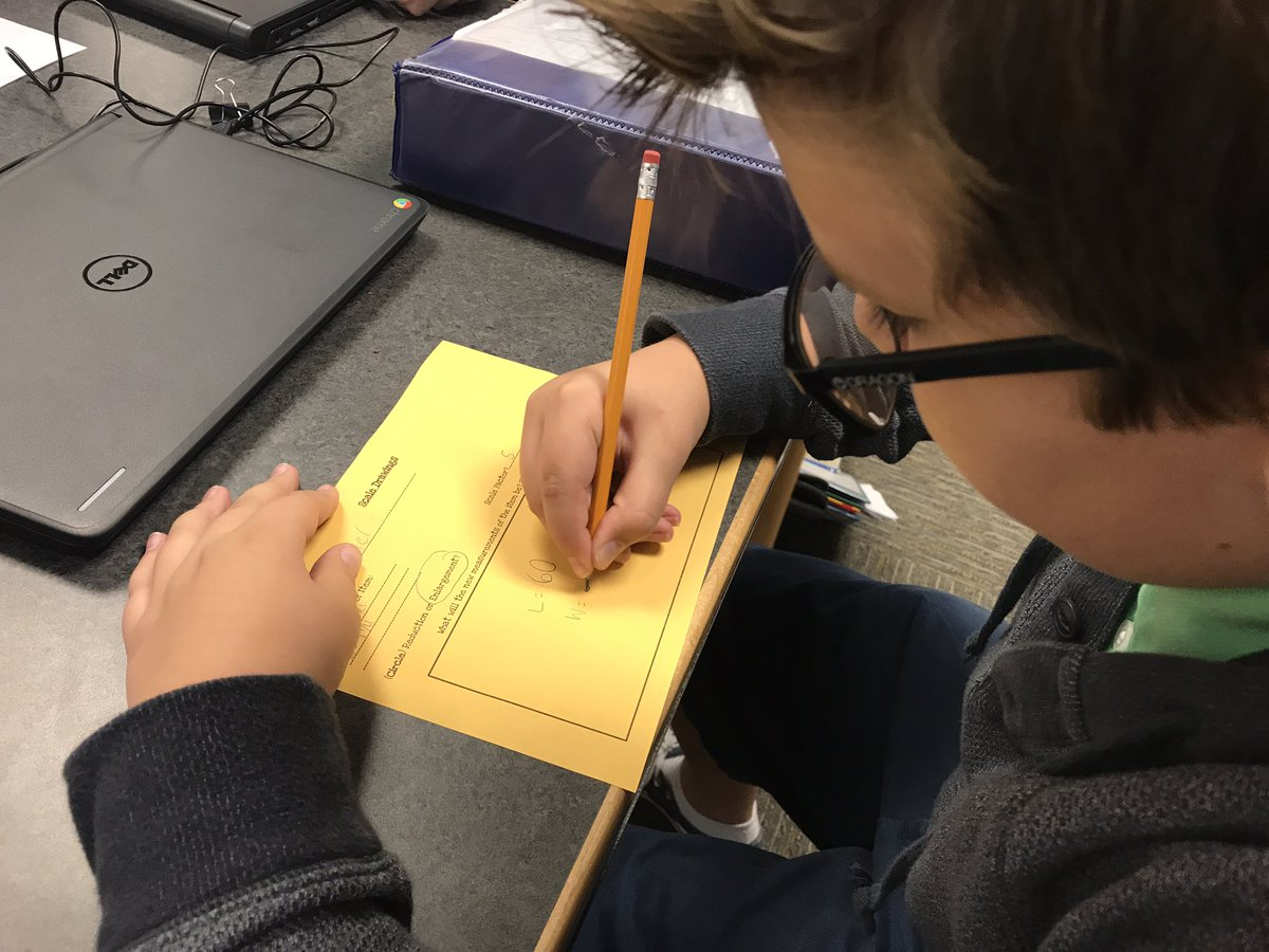 Recording data for scale drawings in #InnovationCreationStation @dms_tcboe #leadingtheway #futurereadylibs @TCBOE<br>http://pic.twitter.com/40j0BNPviV