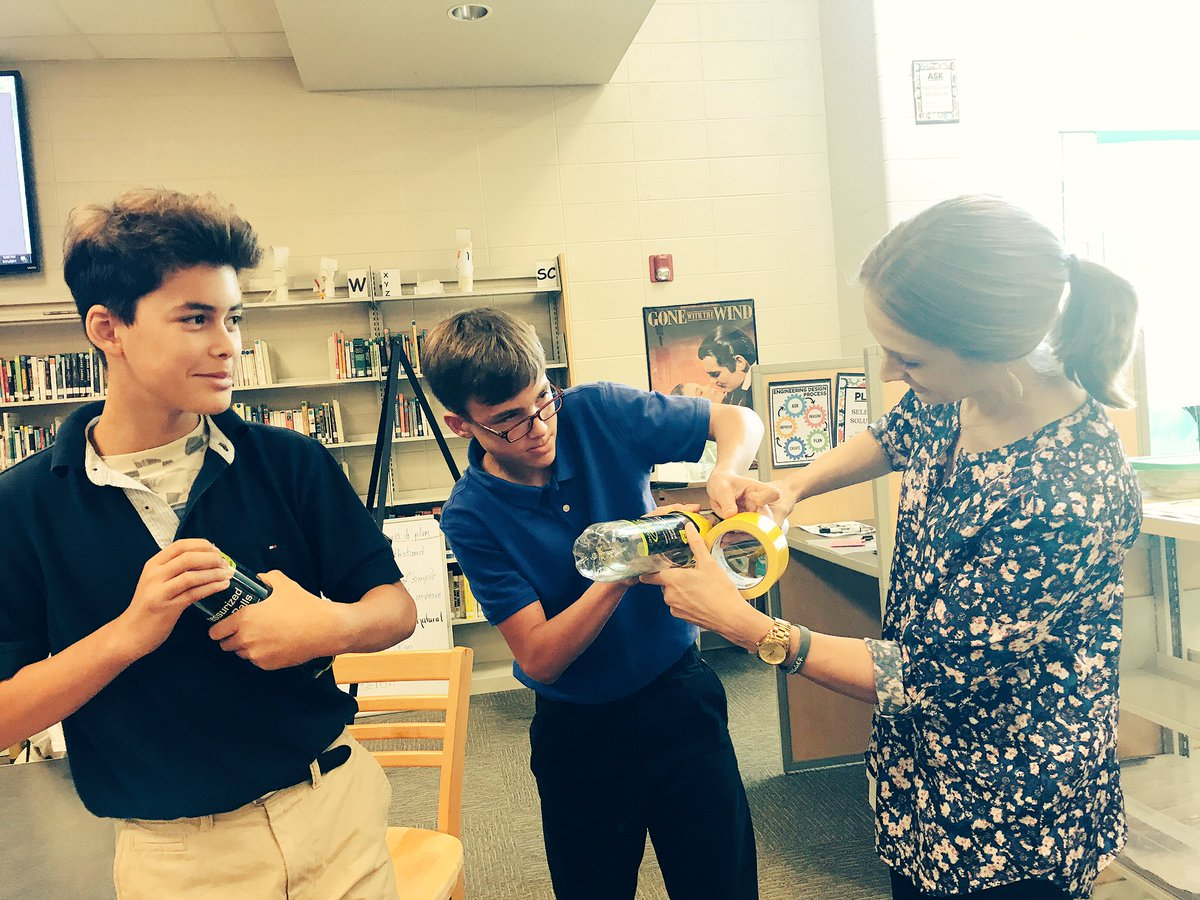 Enlarging a pencil 9 times its original size in #InnovationCreationStation @dms_tcboe #leadingtheway @TCBOE<br>http://pic.twitter.com/rV2ZPon6rE