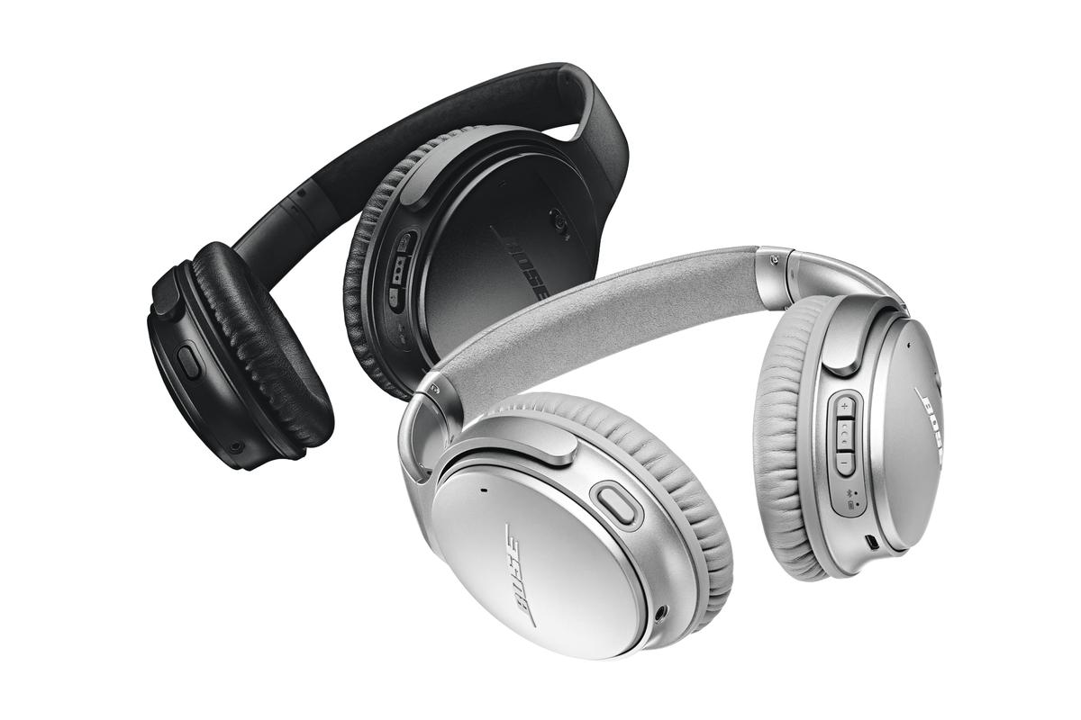 BOSE QC35 II 降噪无线耳机第二代,增加一个物理按键(位于左侧耳罩底部),按钮可以唤醒Google 语音助手。350美元 // QuietComfort 35 Wireless Smart Headphones https://t.co/tk3CzIgQlF https://t.co/R3jndzg5JU 1