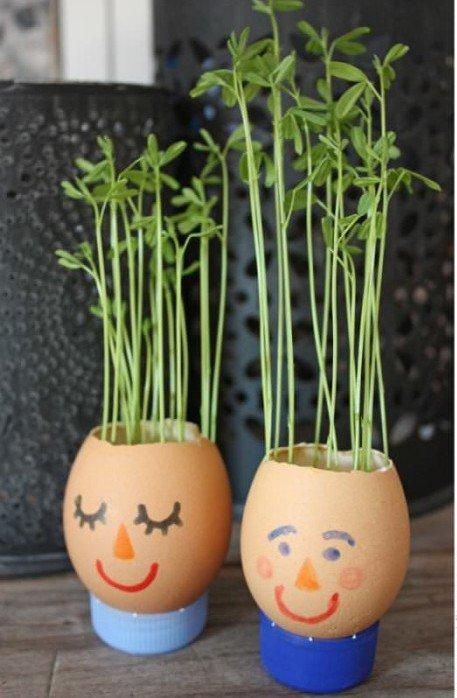 Cute Tiny Eggshell Planters -  http:// garden.viralcreek.com/cute-tiny-eggs hell-planters/ &nbsp; …  #EggShellPlanter #Planter #Repurposed <br>http://pic.twitter.com/aJCXnHUH1d