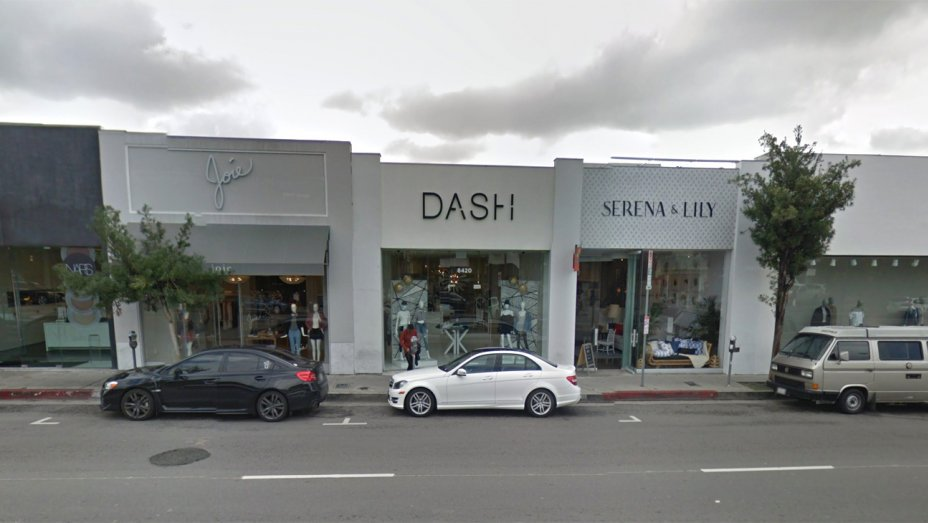 Wow. A female suspect with a gun and machete threatened employees at the Kardashian-owned Dash Boutique in WeHo https://t.co/dCiEvEf46K