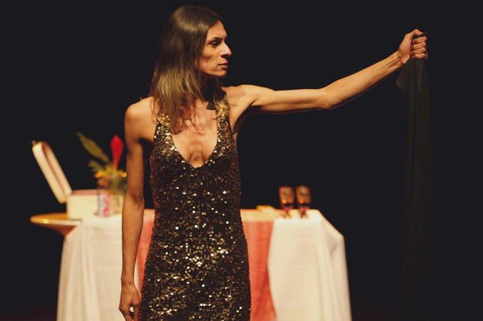 'Esse ódio eu sofro todos os dias', diz atriz que estrela peça sobre Jesus travesti https://t.co/fDLSGTGbcV
