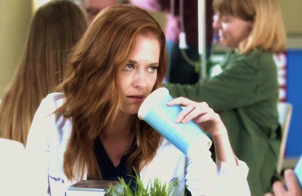 All the #Japril fandom when Maggie approaches Jackson in the promo <br>http://pic.twitter.com/Uk6F7Ytywp
