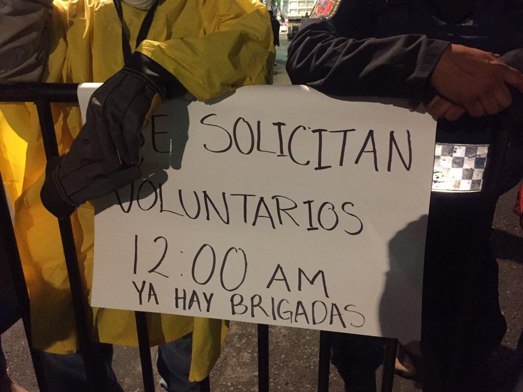 Solicitan voluntarios para Bolívar y Chimalpopoca a las 12 AM #AyudaCDMX @Google https://t.co/KqR2EljjQe
