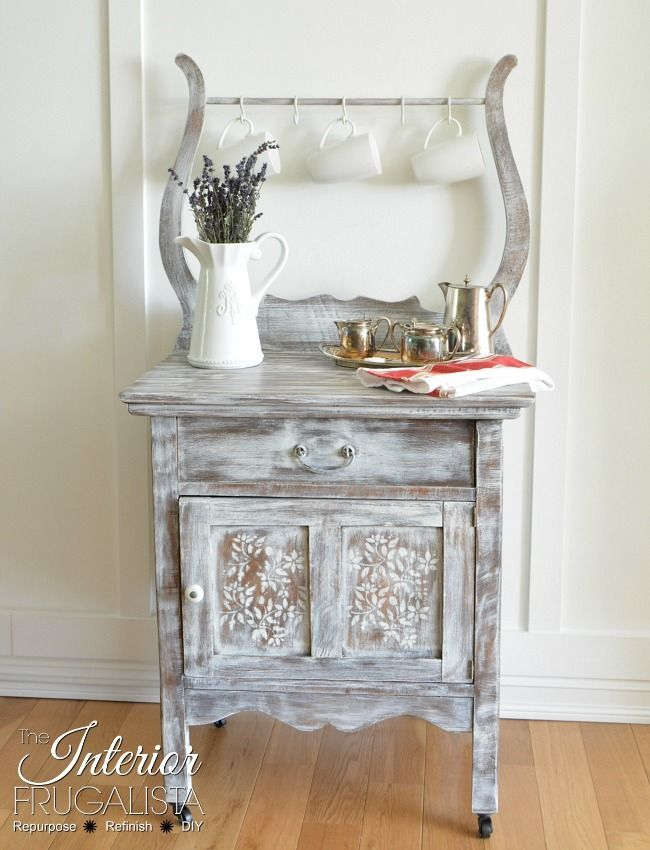 I love how this Antique Wash Stand was #repurposed into a Kitchen Coffee Station!  https:// buff.ly/2yhDWaG  &nbsp;   #repurposed <br>http://pic.twitter.com/9e1S0D2R2B