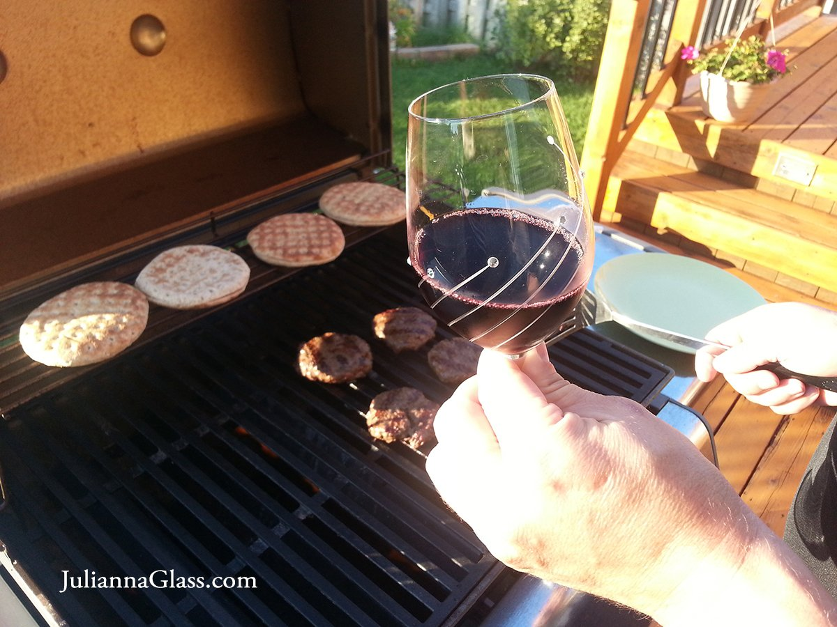 The best way to enjoy the #LastDayofSummer is to have a glass of #wine and BBQ. Cheers!!!  #ThursdayThoughts<br>http://pic.twitter.com/8mK4n72eP2