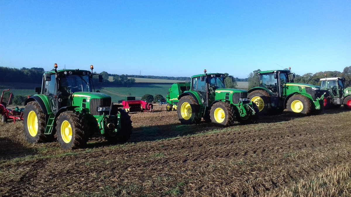 Beautiful day for an #auction today in #Gloucestershire, welcome return of some #sunshine @JohnDeere @CheffinsMachine<br>http://pic.twitter.com/SIvaDMWwl7