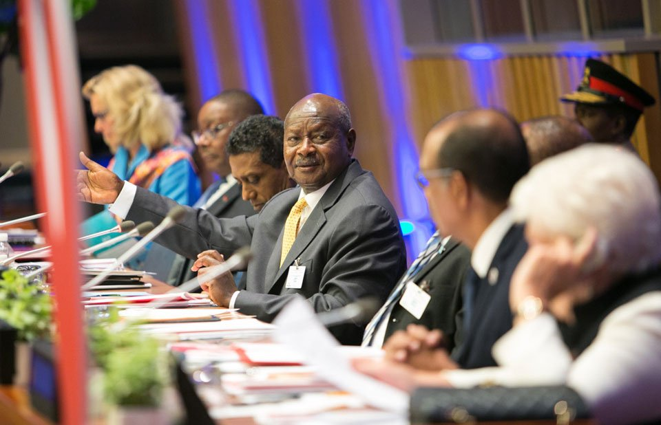 Pres. Museveni alongside other world leaders come together to renew the urgency around ending #AIDS as part of the #SDGs #UNGA  #VisitUganda<br>http://pic.twitter.com/J8JdubJkM0