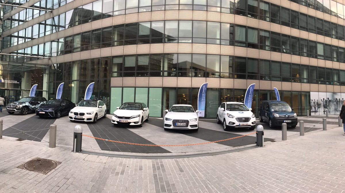 #hydrogen cars ready to green #transport, come see them at the #cleantransport17 conference<br>http://pic.twitter.com/tMRMnUVPFZ