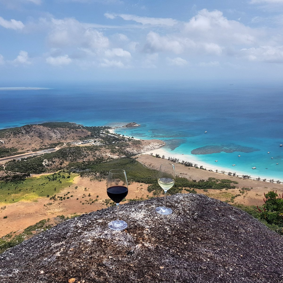 Red or white? . Lizard Island. Like nowhere else...  . #wine #travel<br>http://pic.twitter.com/ZmgXcMamtH