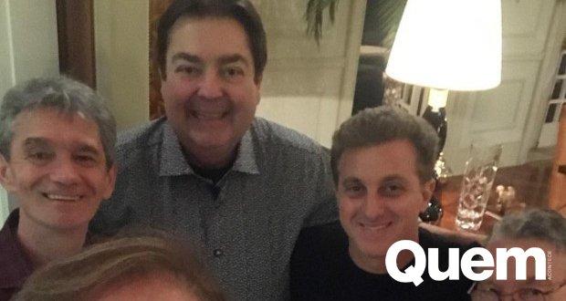 Ô loco, meu... só feras! Faustão e Luciano Huck se encontram com time de amigos https://t.co/3oOci6MOhD
