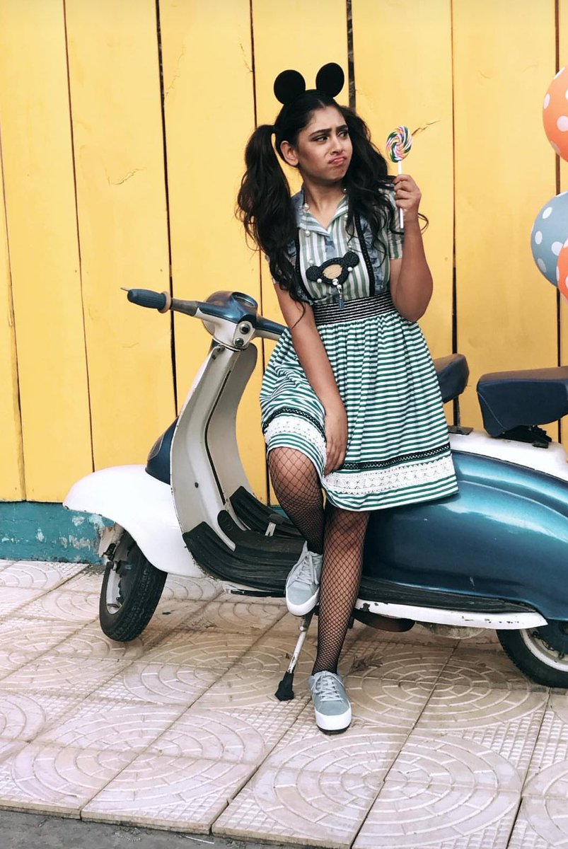 Making us remember #mickeymouse and our colorful #schooldays is @NitiTaylorsFB wearing #equine by @LabelNityaBajaj In her chirpy best<br>http://pic.twitter.com/tv3gP3NAtz