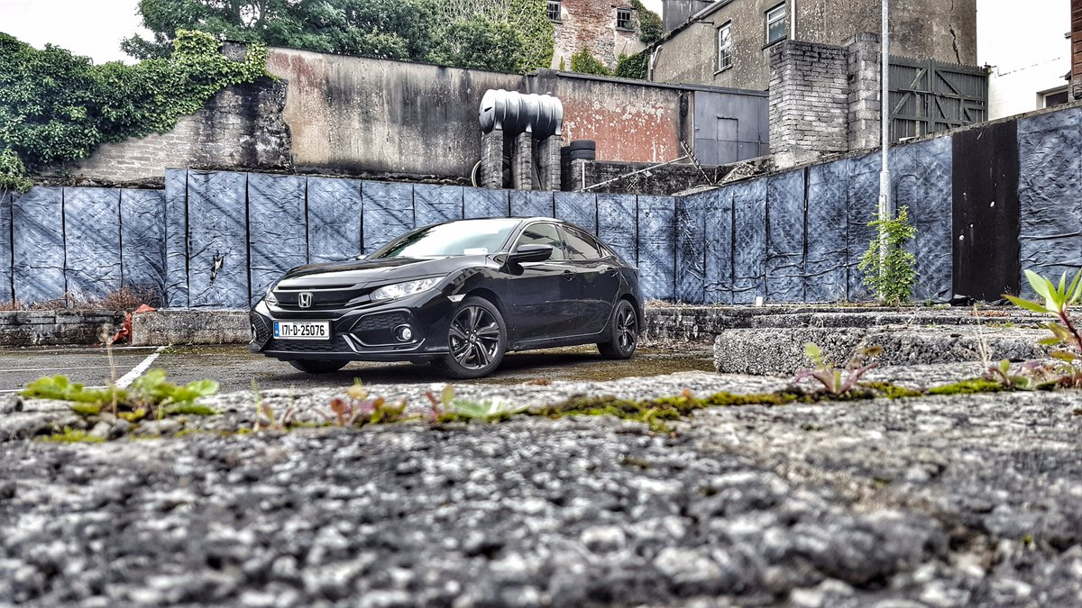 The new #Honda #Civic #TypeR is coming to Ireland very soon. While we wait, read &amp; watch our Civic reviews  https://www. cbg.ie/new-car-review -details/2017-honda-civic-new-car-review &nbsp; …  #cars<br>http://pic.twitter.com/YFV2fddwu9