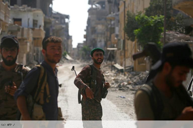 Syrie: à Raqa, la bataille 'historique' contre l'EI touche à sa fin https://t.co/DlhhC8epsD