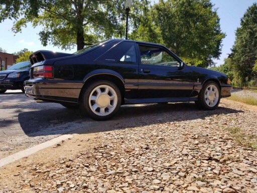 A Cobra, because.....it's Friday! #foxbody #thefoxcast #ford #mustang #cobra<br>http://pic.twitter.com/IyLJ1Dartj