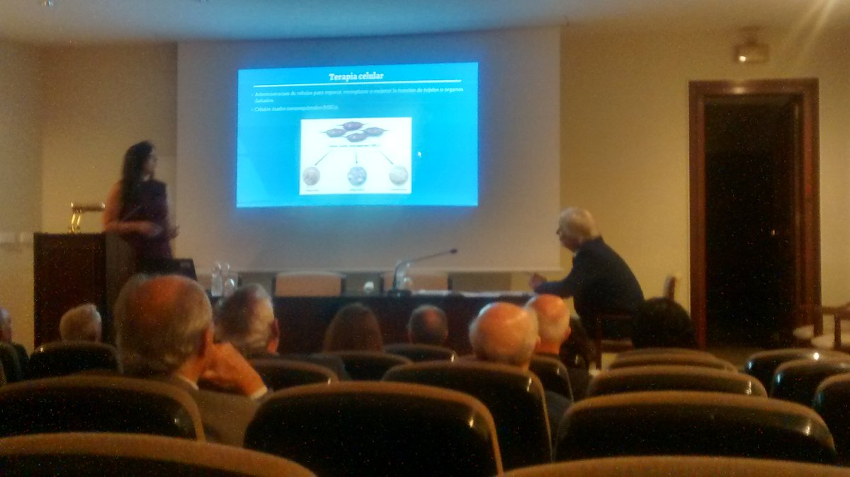 Congratulations to our coleage Rebeca Blázquez from Stem Cell Therapy Unit @ccmijesususon. Brilliant presentation at &quot;premiosRAMSE&quot;#Sevilla <br>http://pic.twitter.com/QpV66YnVbg