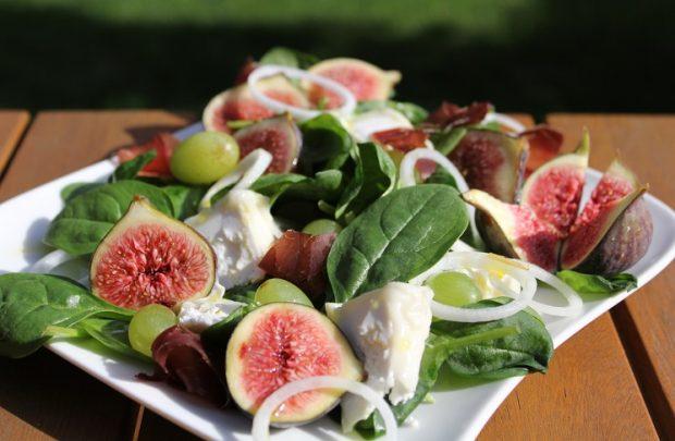 Рецепт салат с мидиями