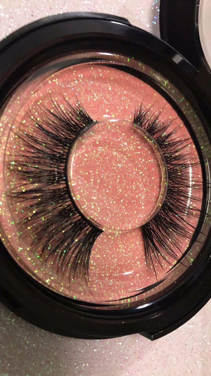 Empress eyelashes  from @zeenastan fairytale Collection  #eyelashes #cosmetic #makeup <br>http://pic.twitter.com/hNHO1DHk0A
