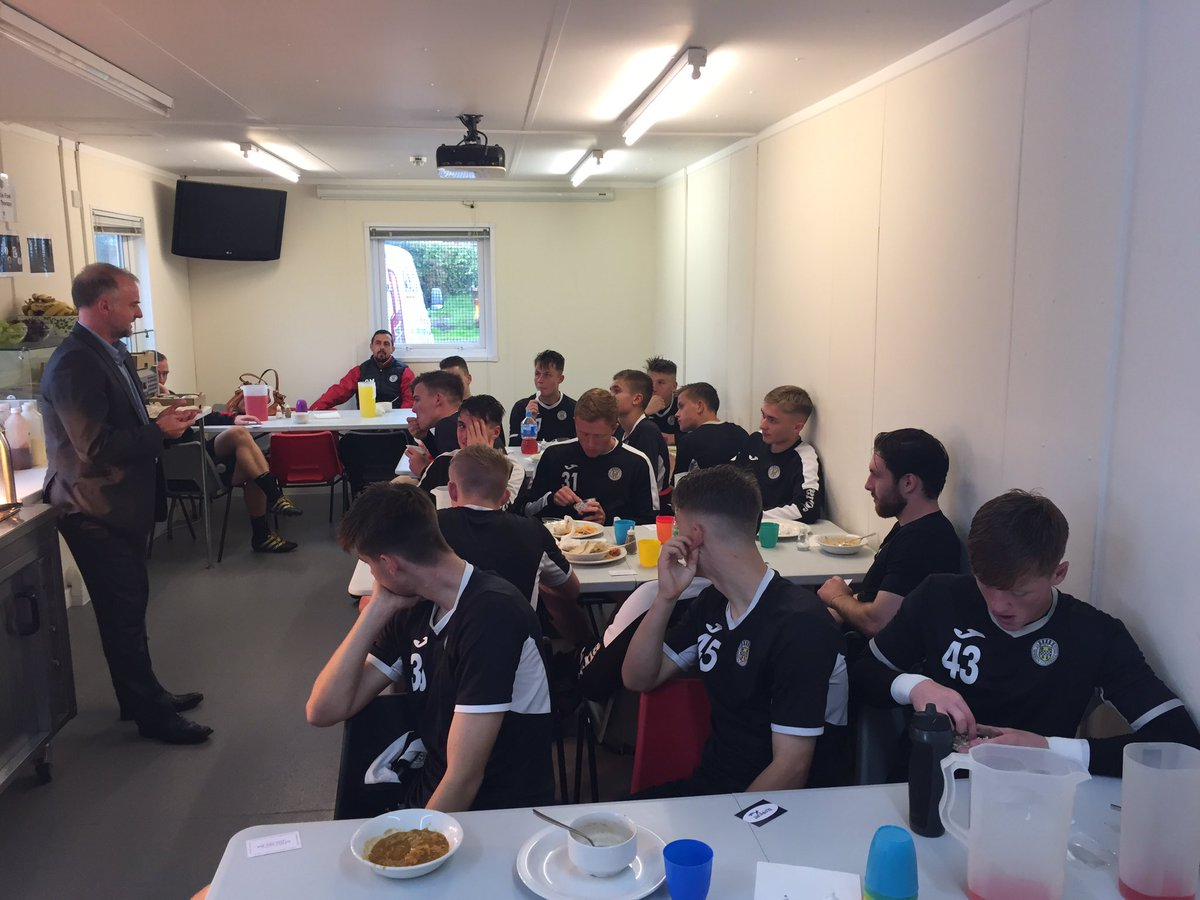 First up it&#39;s the @saintmirrenfc U20s getting the @PFAScotland chat #wellbeing #education <br>http://pic.twitter.com/Myvl9lapTw