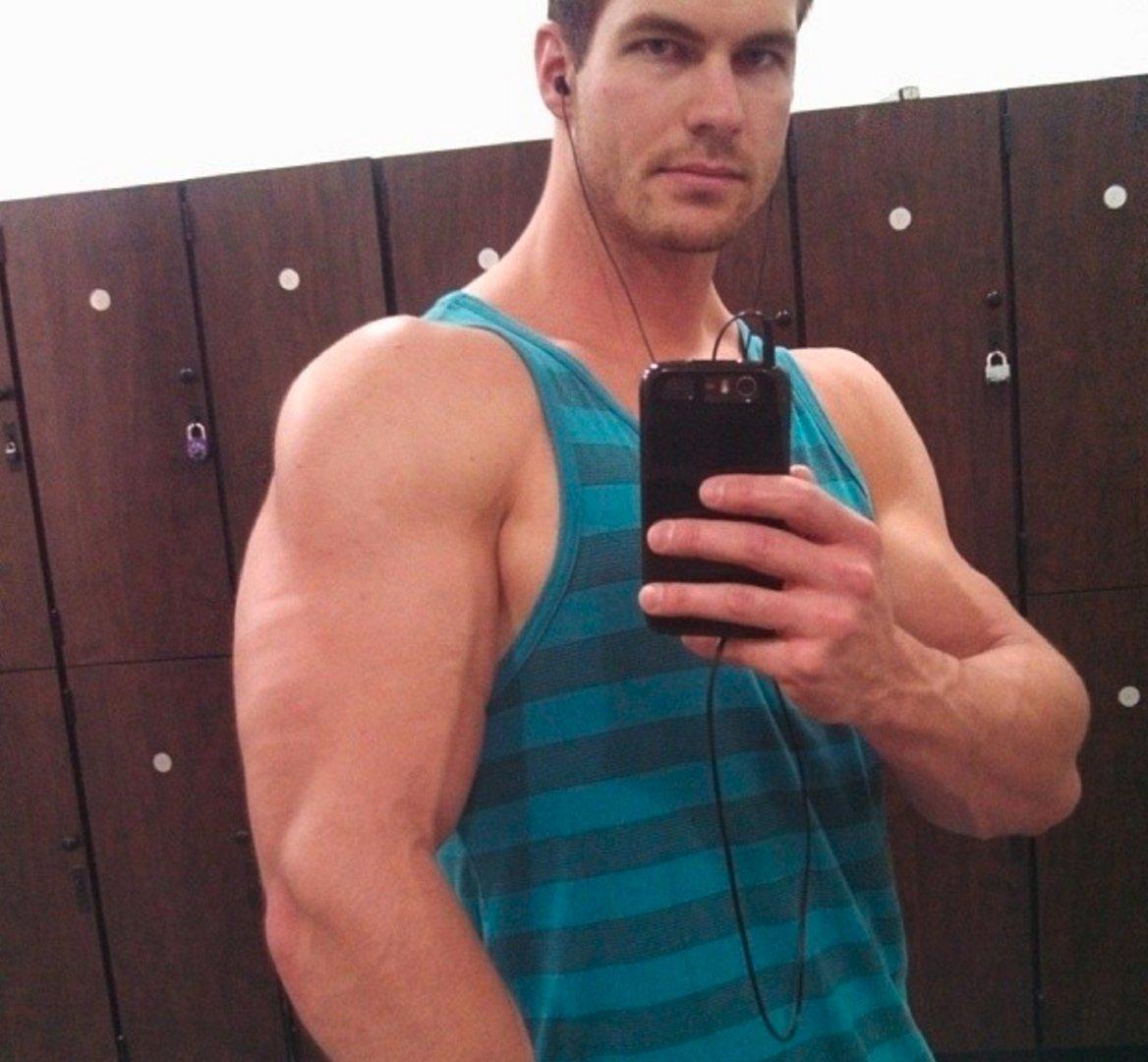 My OK gym buddy from  http:// GlobalFight.com  &nbsp;   #oklahoma #gym #man #selfie #muscles #biceps #lockerroom #cute #handsome #wrestler #guy #dude<br>http://pic.twitter.com/zkJ8AES2yQ