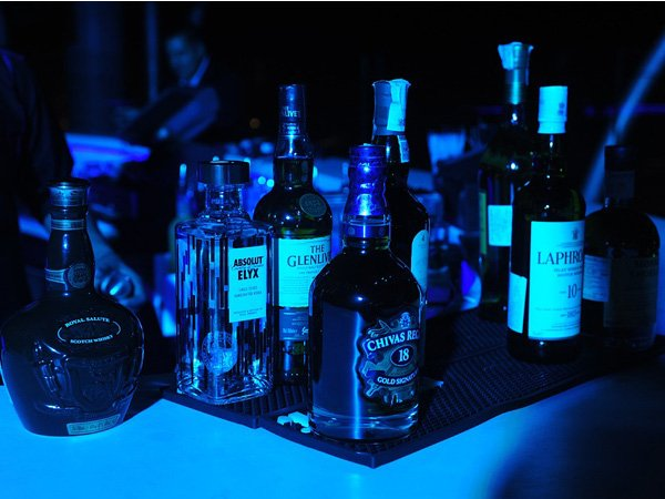 Many #YouTube videos promoting &#39;fun&#39; side of #boozing - but question lies, how does it effect the #YoungStars #GenY  https://www. aninews.in/news/lifestyle /culture/many-youtube-videos-promoting-fun-side-of-boozing201709211157240001/ &nbsp; … <br>http://pic.twitter.com/fW9oSiyUV6