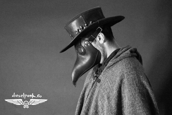 #Cosplay Awesome of the Day: Plague Doctor Leather #Mask by @tovlade via @SmokedGlassGogg #SamaCosplay