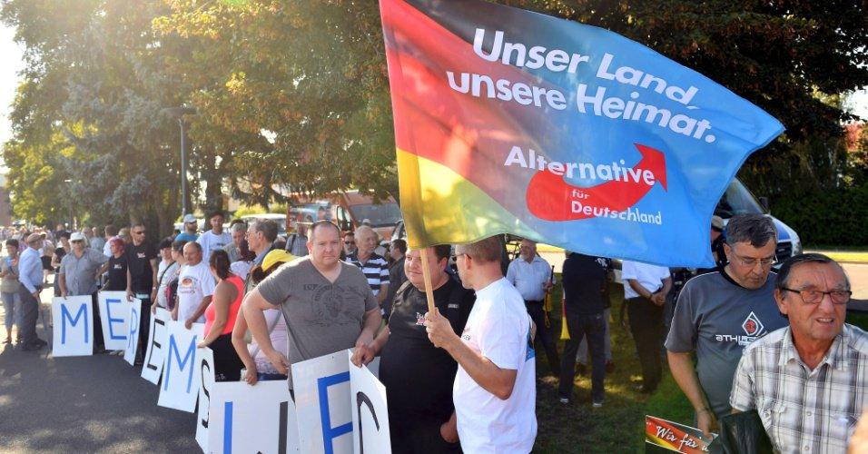 País vai às urnas no domingo   Discurso nacionalista amplia espaço de partido anti-imigração na eleição alemã https://t.co/lEyTz1q5FM