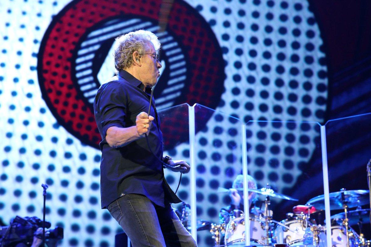 The Who estreia no Brasil com pouco papo e muito rock https://t.co/RvhWSfSNN1 #RockinRio #G1