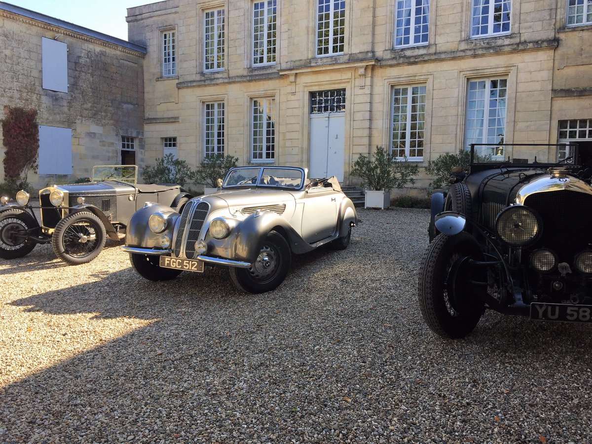When it&#39;s not all about @Chateau_Figeac&#39;s wines sometimes thanks @BMW @BentleyMotors #FrazerNash #FineTuning #Vintage #Collection #StEmilion<br>http://pic.twitter.com/LVPAwXKtpG