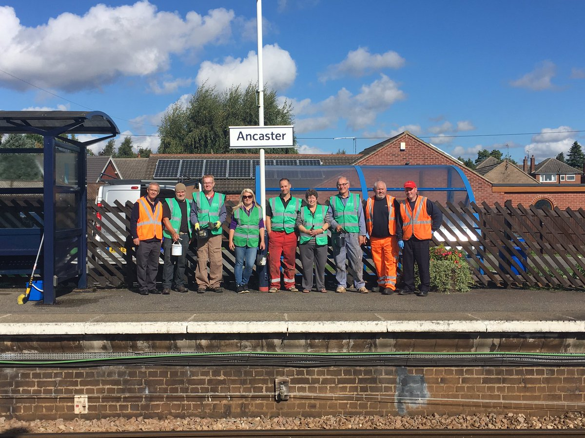 Our lovely bunch of #volunteers making Ancaster station look fab! Great weather too #CommunityRail @ACoRPOffice @EMTrains @callconnectbus <br>http://pic.twitter.com/14dCkDfHX8