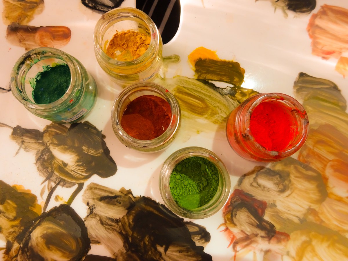 Welcoming the #AutumnEquinox  #HappyFriday everyone, have a lovely #season  #colours #retouching #paintingsconservation<br>http://pic.twitter.com/lAi15moXLb