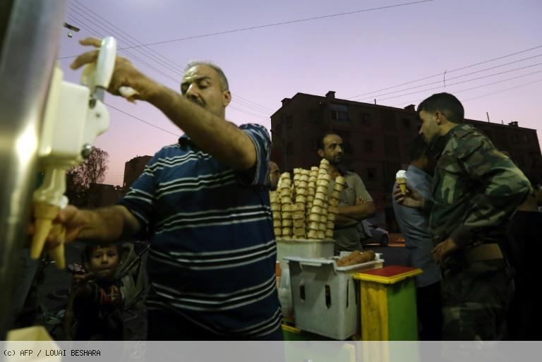 A Deir Ezzor, la vie reprend lentement après le siège de l'EI https://t.co/bb6UPCIrSu