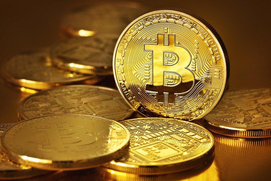 Company Files Market Abuse Claim Against Jamie Dimon Re: Bitcoin Comments  http:// dlvr.it/PpmNGg  &nbsp;   #ETFs <br>http://pic.twitter.com/jVe0PufhM1