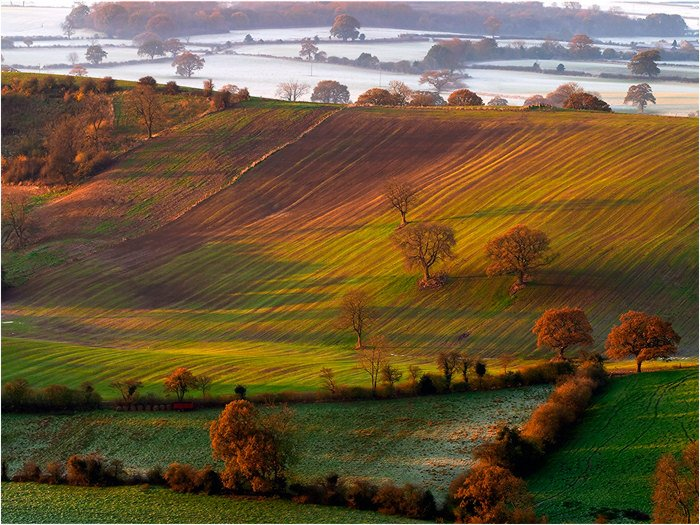 Happy #AutumnEquinox to all our followers. We love this season! #Yorkshire <br>http://pic.twitter.com/he79vdQwBO