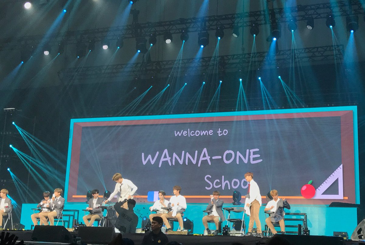 DID GOD JUST HEAR MY PRAY AND LET #OngNiel SIT NEXT TO EACH OTHER?? IM DREAMING?? #WANNAONEinSG #sg #fm #preview<br>http://pic.twitter.com/vBLXZyE0un